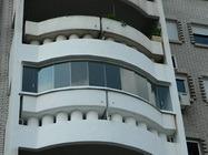 Zastakljivanje balkona
