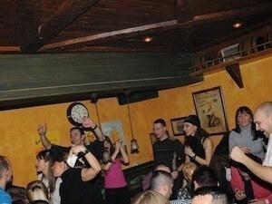 Grand Irish pub