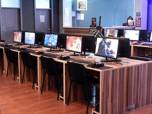 Quest Gaming Cafe PC igraonica Beograd slike