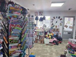 SUN & BOOK knjižara i gift shop