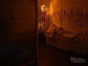 Play escape room