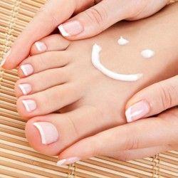 Estetski pedikir + masaža + trajni lak (radi se priborom za jednokratnu upotrebu!)