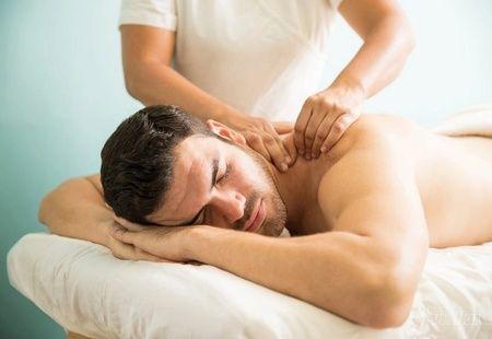 Terapeutska masaža (parcijalna masaža leđa, razbijanje čvorića)! Svaka četvrta masaža je GRATIS!