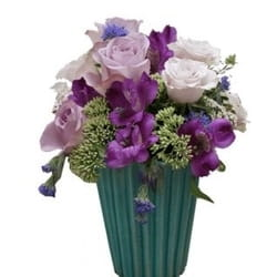 8.mart - Dan žena - Cvetni aranžman u keramičkoj posudu