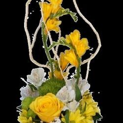 Cveće za rođendane - Cvetni aranžman u vazi - poklon za sestru