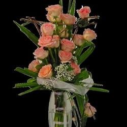 Cveće za venčanja - Buket cveća od ruža u vazi
