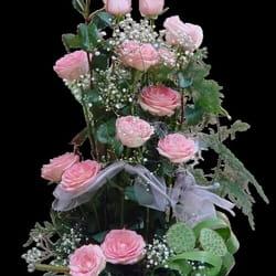 Cveće za venčanja - Cvetni aranžman sa roze ružama