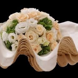 Cveće za venčanja - cvetni aranžman u keramičkoj posudi