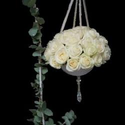 Cveće za venčanje - Cvetni aranžman od belih ruža