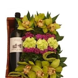 Orhideje - Aranžman sa vinom i zelenim orhidejama