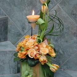 Novogodišnji aranžmani - Cvetni aranžman u duhu Nove godine