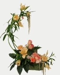 Jesenji cvetni aranžmani - Narandžasta energija u korpi