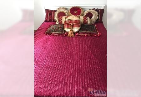 Luksuzni stilski satenski pokrivač Rojal crveni saten