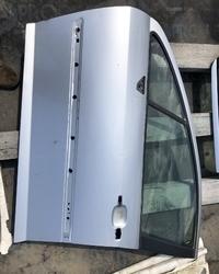 Prednja leva vrata ( vozaceva ) za Pezo Peugeot 407