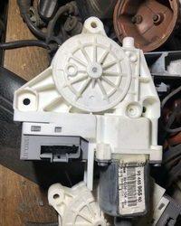 Motor podizaca stakla ( mehanizam ) za zadnja desna vrata za Pezo Peugeot 407
