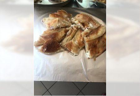 Pita sa sirom ispod saca