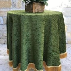 Okrugli plišani stolnjak zeleni sa zlatnim resama