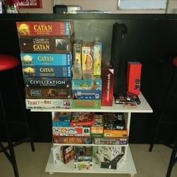 Sjajan i veliki izbor društvenih igara u Caffe igraonici Bleyage