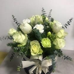 Buket cveća od belih ruža