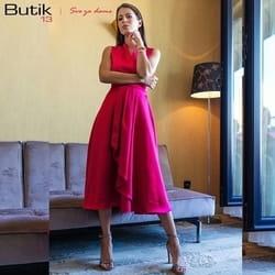 Midi svilena haljina ciklama boje na preklop sa falticama!