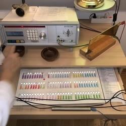 Ampule sa preko 2.500 frekfencija otkrivaju uz pomoc Bicom aparata skoro sve bolesti