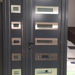 Aluminijumska vrata sa ukrasnim panelom