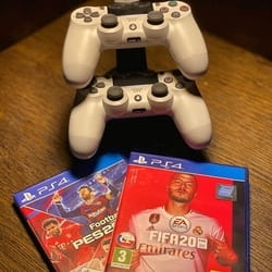 Sony Playstation 4 - Igraonica Game Room iz Mirijeva