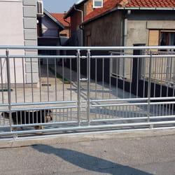 Aluminijumska kapija za dvoriste