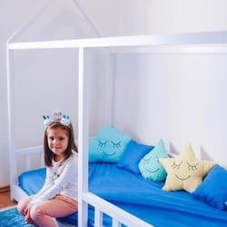 Deciji krevet kucica u bojama