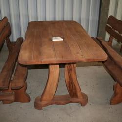 Drveni bastenski stolovi i klupe