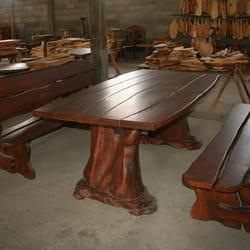 Drveni sto i klupe za bastu