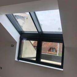 PVC prozor za kosi krov