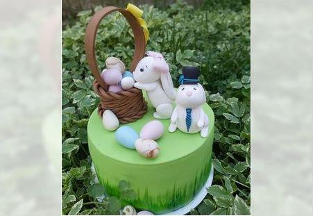 Dečija torta sa figuricama zeka i jajima