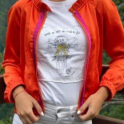 Sivenje zenskih jakni po meri
