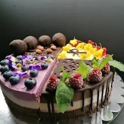 RAW torte od četiri ukusa