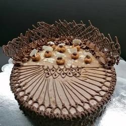 Nugat raw svecana torta