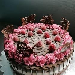 Čoko malina svecana torta