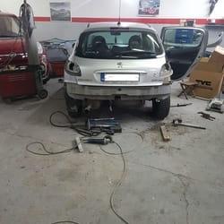 Popravka branika Peugeot 206