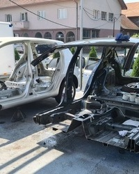 Sredjivanje limarije na tesko havarisanim automobilima
