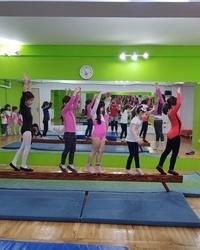 Ritmička gimnastika u službi lepote devojčica - 3 deo