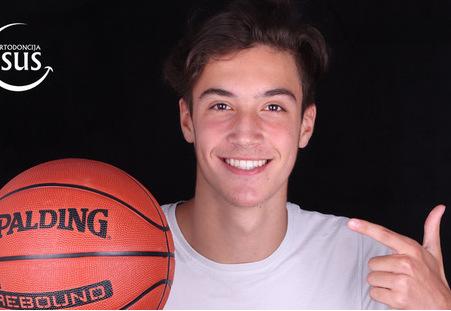 Nebojšin savršeni osmeh za uspehe na privatnom i košarkaškom terenu