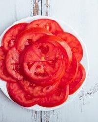 Paradajz salata u kafani Pavle Korcagin