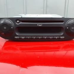 Fabricki radio za Fiat 500