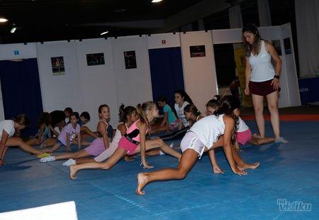 Spoj plesa, baleta, muzike i sporta – Ritmika!