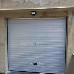 Montaza garaznih vrata u beloj boji