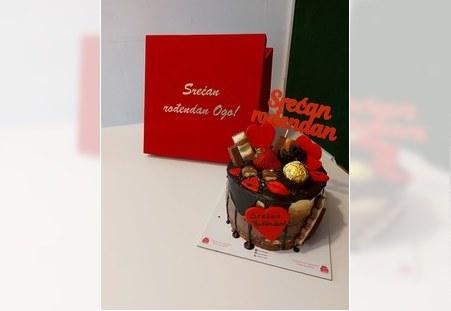 Poklon pakovanje sa tortom