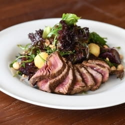Salata sa biftekom