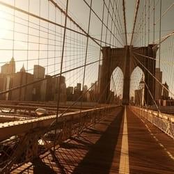 City NY Brooklyn Bridge Sunset Crossing Most New York 3D fototapeta zidni mural foto tapeta