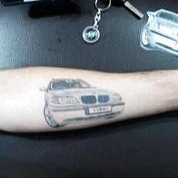 Tetoviranje BMW NA RUCI