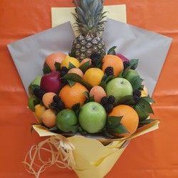 Jestivi buket sa ananasom